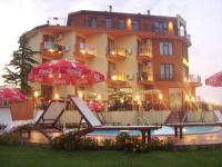 "Family Hotel ""MIRAL"""