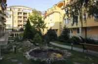 "Apartment House ""IZTOK"""